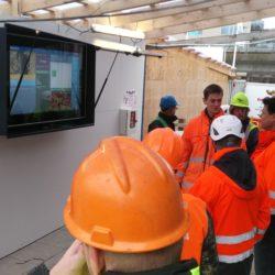 Semi Industriel infoskaerm maalrettet byggepladser - Kontakt CompuLab Nordic om dit naeste digital signage projekt
